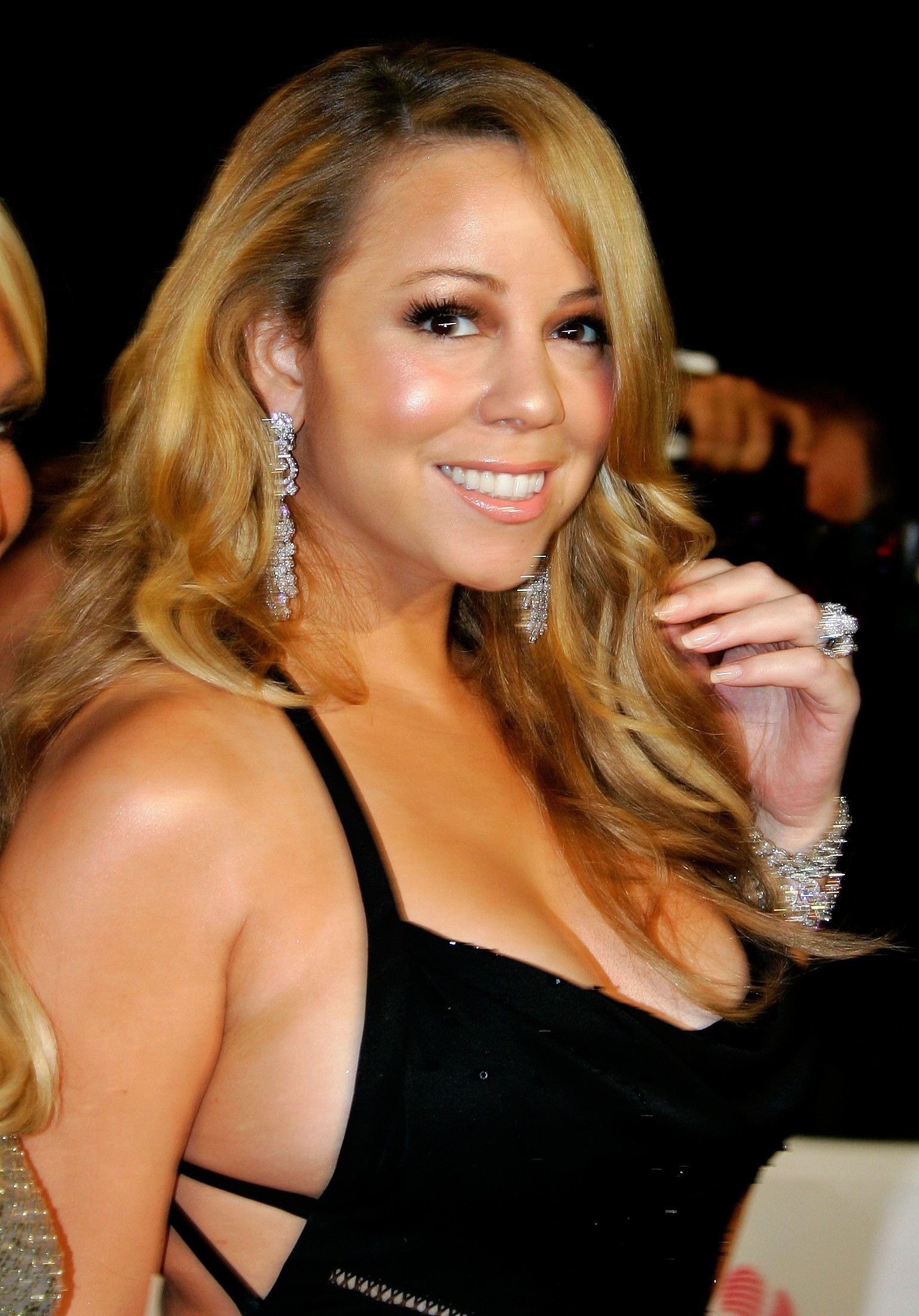 What is the net worth of mariah carey
